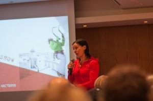 Ines Papert Suomen Alppikerho ry:n 50v-seminaarissa 2.12.2012 (Kuva: Saku Korosuo)