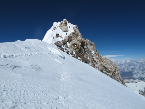 Makalu_false-summit_22052013